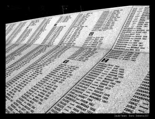 Srebrenica cimitero genocidio