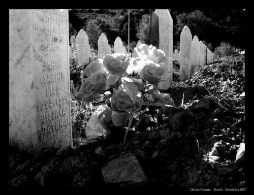 Srebrenica cimitero genocidio2